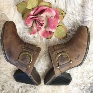 b.o.c. by Born Brown Leather Mules Buckle 7